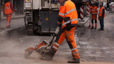 Road Construction Accident: Workers' Comp or Personal Injury Claim?